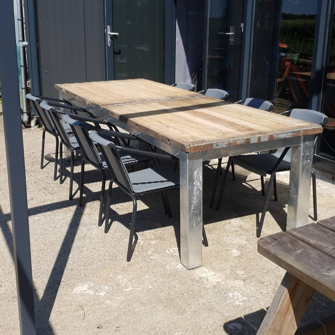 stoere-industriele-buitentafel-Tough-Interiors-Rene-Braas