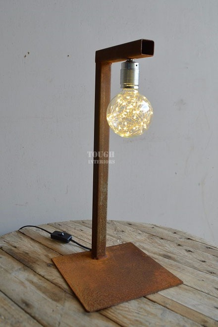handegmaakte-ijzeren-lamp-Tough-Interiors-Rene-Braas