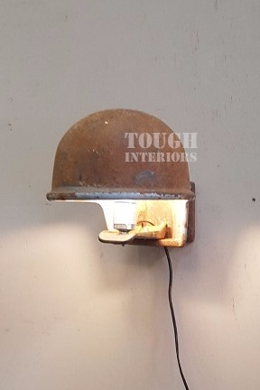 koe-drinkbak-handegmaakte-ijzeren-lamp-Tough-Interiors-Rene-Braas